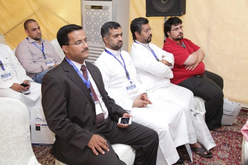 صاحب السمو الملكي د. سيف الاسلام بن سعود يكرم النادي بفوزه بجائزة أسرع الشركات نموا نادي خبراء المال